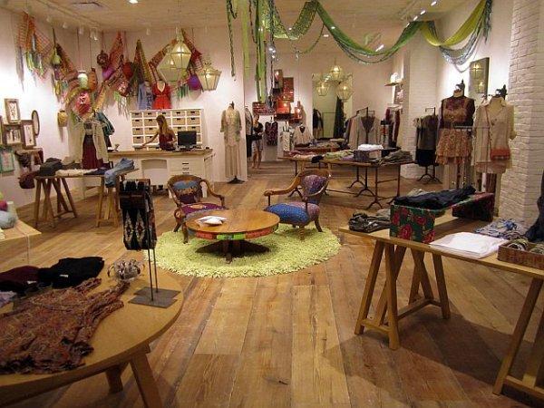 Ideias para decorar uma loja de roupa venda otimizada for Free people store decor