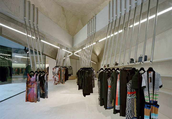 Decoração de Lojas de Roupa Feminina (10)