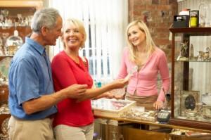 Os clientes sempre insatisfeitos criam mau ambiente entre os seus empregados, e podem influenciar os outros clientes que estejam a utilizar o seu estabelecimento na mesma altura.