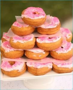 Uma fotografia perfeita de bolos, neste caso doughnuts