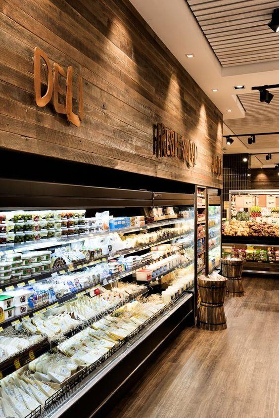 7 erros ao decorar um supermercado. Imagem de expositores atraentes