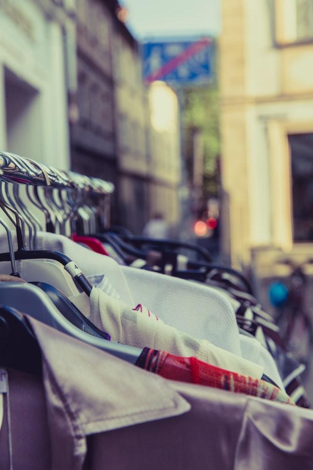 ideias para lojas de roupa - roupa usada