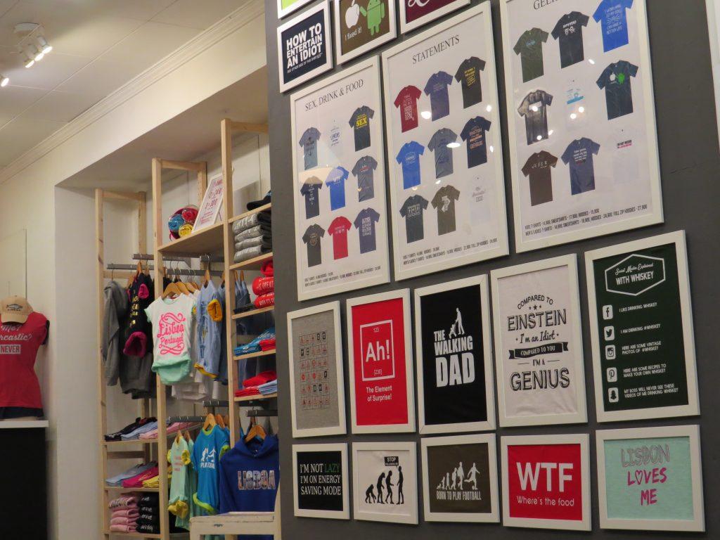 Psicologia do sentimento de posse numa loja de t-shirts
