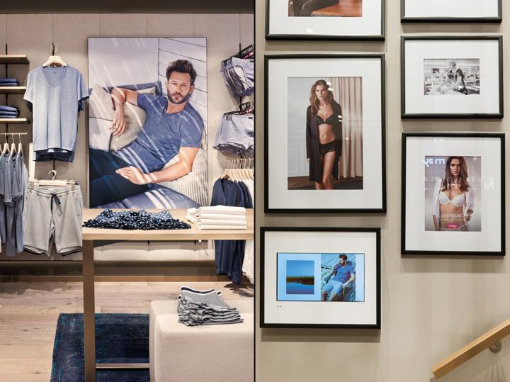 fotos de demonstração numa loja de lingerie